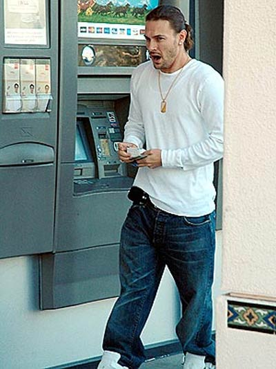 Kevin Federline Vists An ATM
